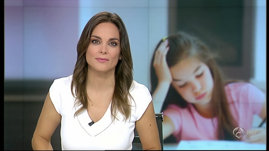 MONICA CARRILLO, ANTENA 3 NOTICIAS (15.10.13)