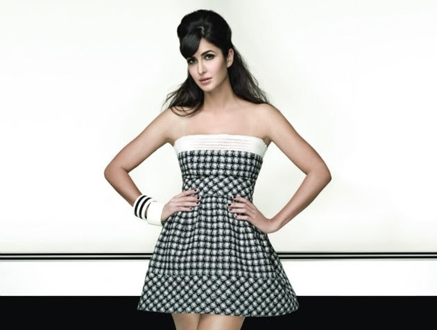 katrina-kaif-looking-hot-in-strapless-mini-dress