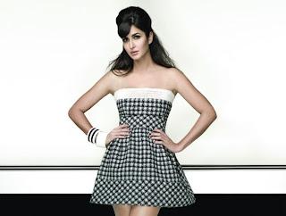 katrina-kaif-wearing-a-sexy-chess-design-strapless-mini-gown