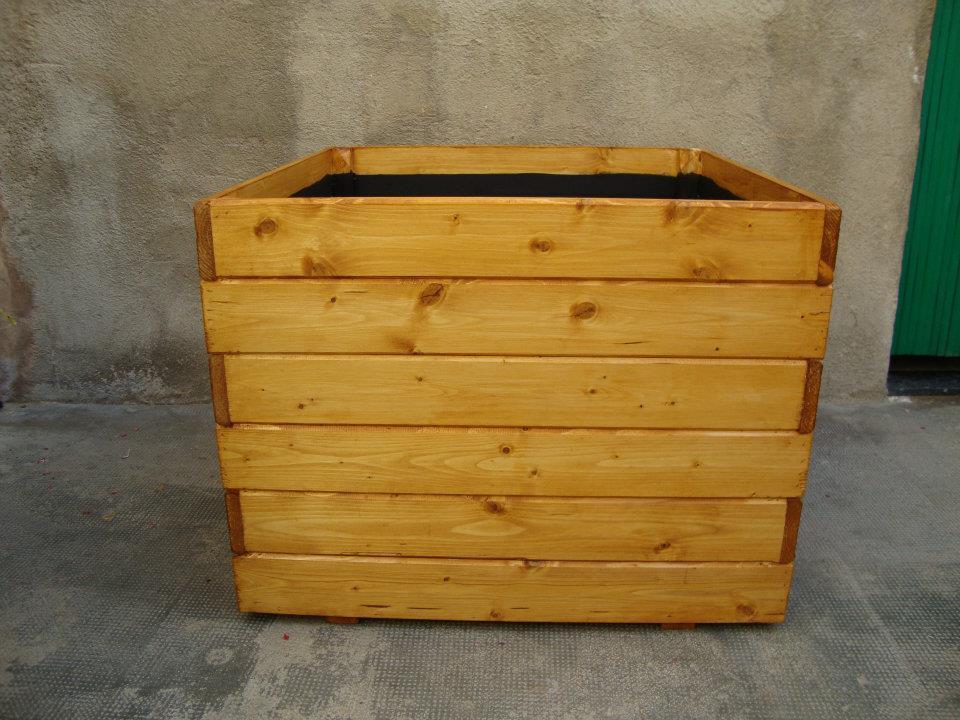 Maceteros de madera a cualquier medida - Maceteros de obra ...