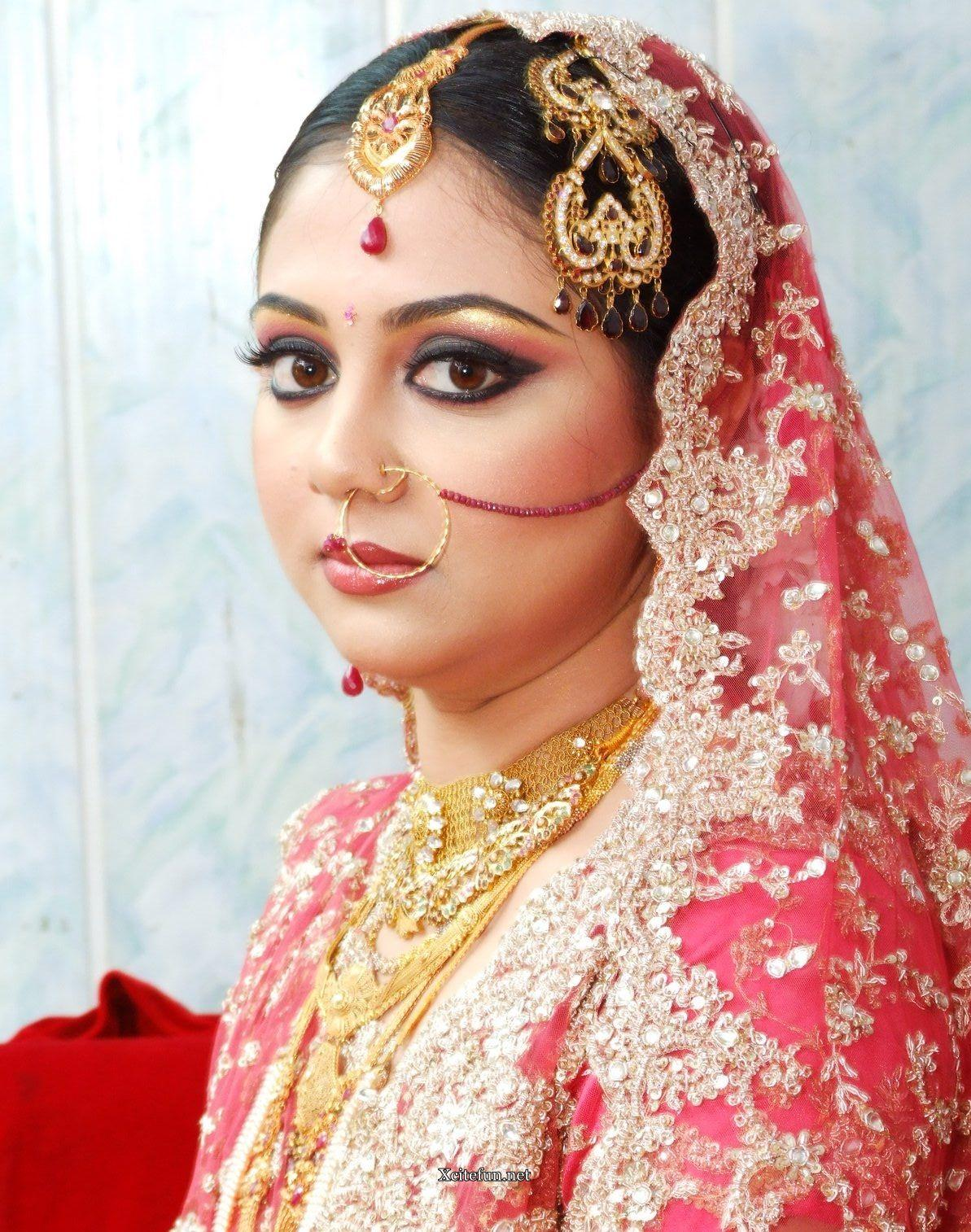 Traditional Bridal Makeup Looks : Makeup For Indian Bride Indian Bridal Makeup HAIRSTYLE ...