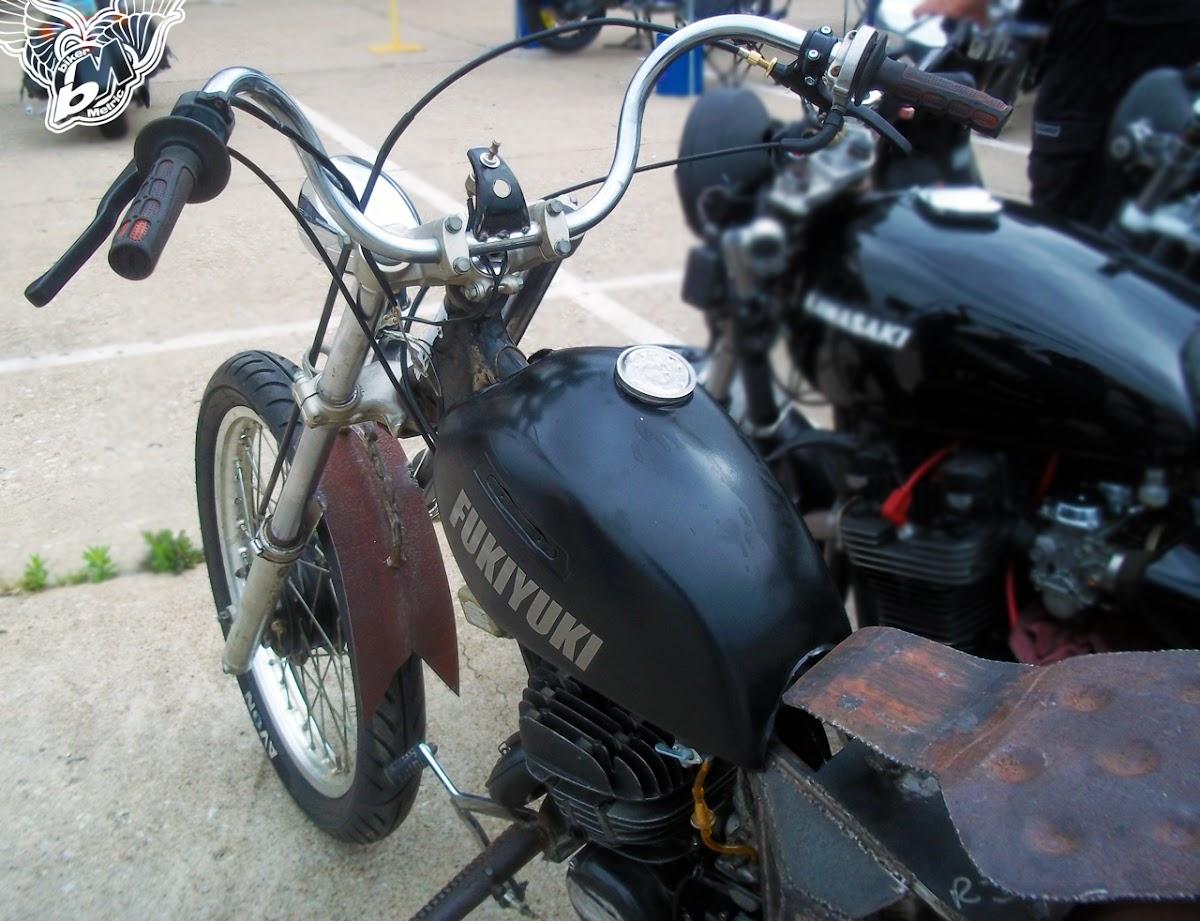 suzuki 125 enduro rat bike - handlebars and tank | blue star motorcycles