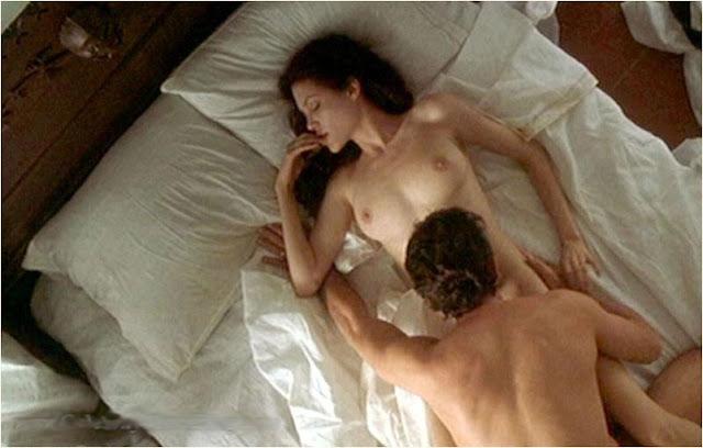 smotret-seks-video-andzhelina-dzholi