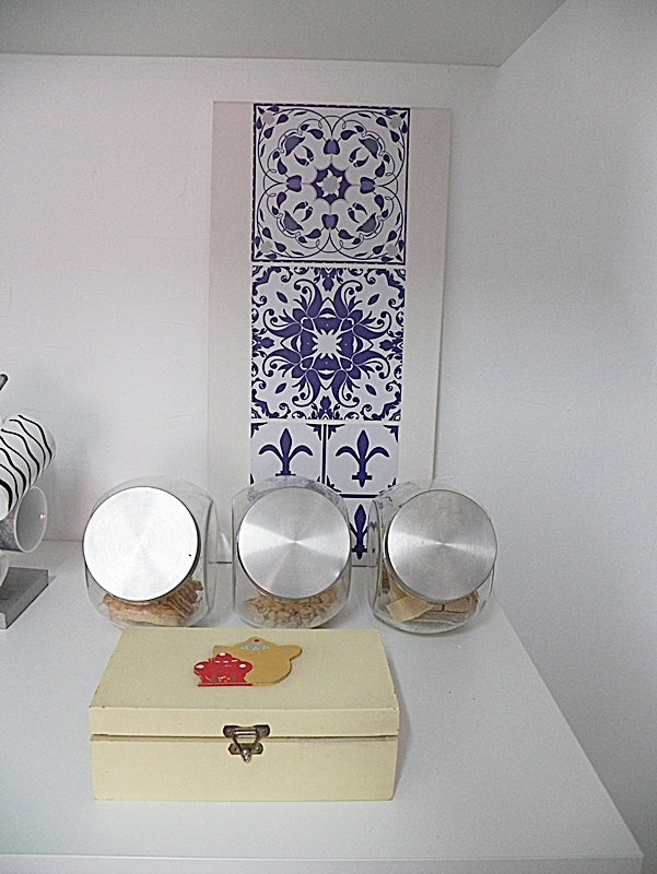 quadro com azulejo adesivo