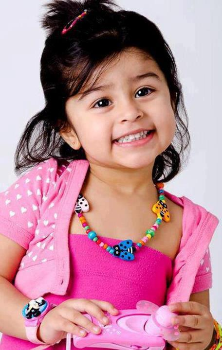 Nisars collection cute baby girl wallpapers cute baby girl wallpapers voltagebd Image collections