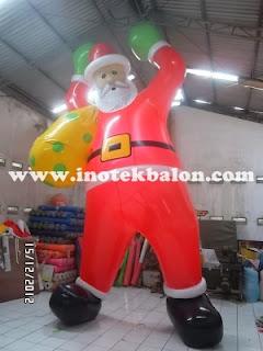 Balon karakter sinter clas besar