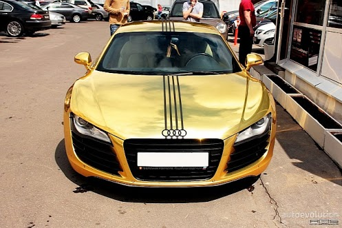 golden audi r8 in the world most interesting files collected. Black Bedroom Furniture Sets. Home Design Ideas