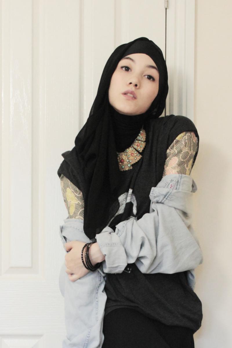 Black dress we heart it - Beautiful Hana Tajima In Maxi Black Dress