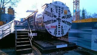 U-Bahn: Neubau U5: Tunnelvortriebsmaschine hat den Spreekanal unterquert