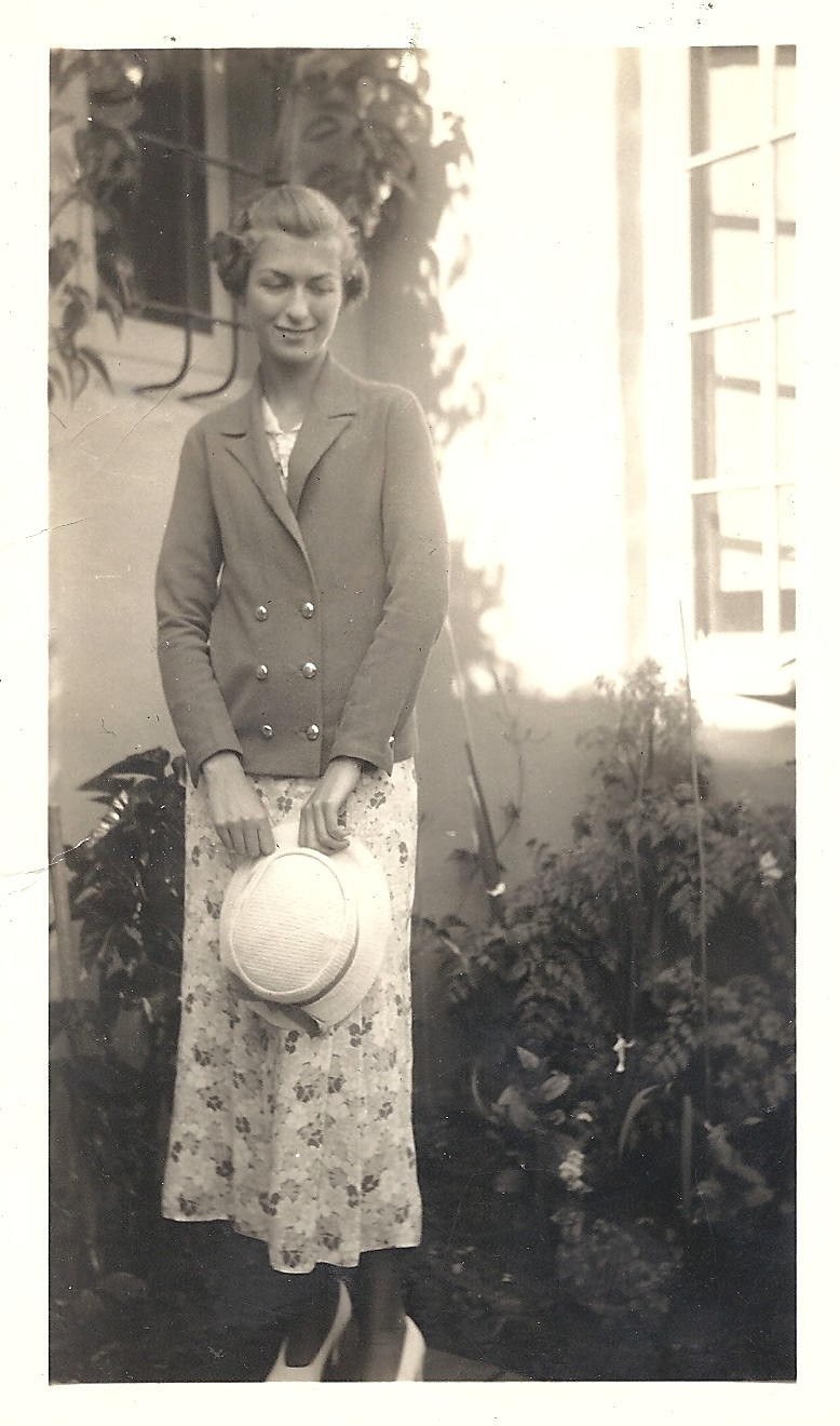 (Not So) Wordless Wednesday - Post 250: A Teenaged Betty Carringer All Dressed Up