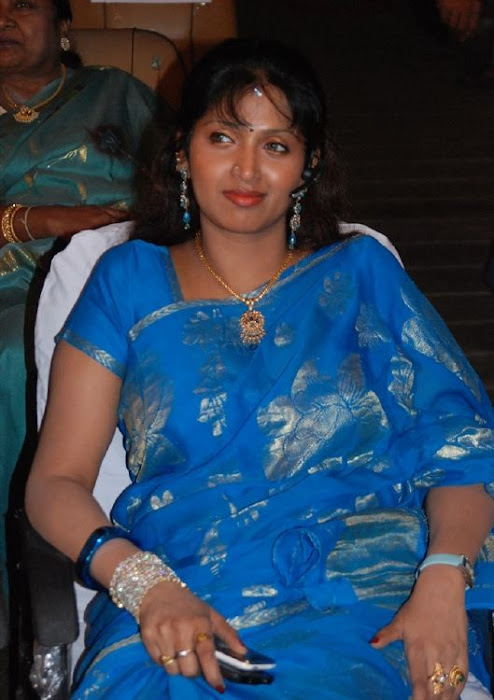 puvaneswari in saree glamour  images