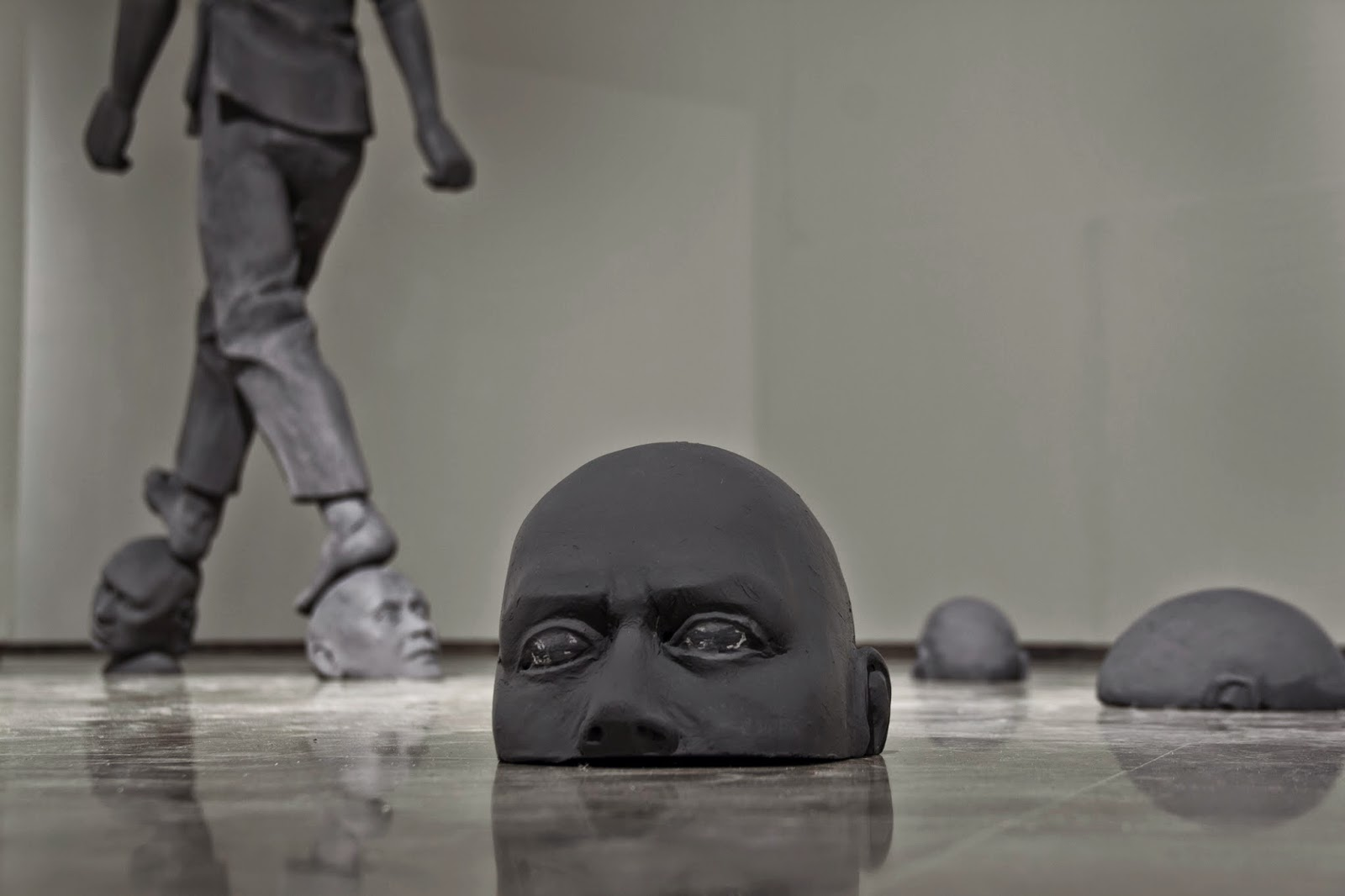 Cayetano Ferrandez |Grey Man Sculpture #artpeople