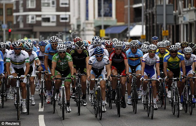 Olympic trial of london road race causes chaos as furious drivers are