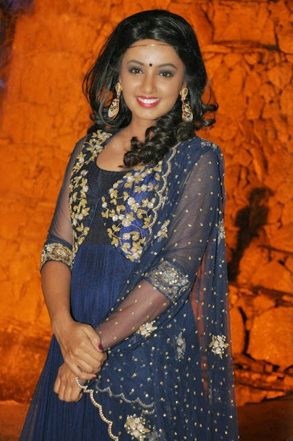 Tejaswi Madivada Glam Latest Stills | HD Gallery Images