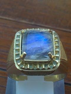 Batu Biduri Laut blue moonstone