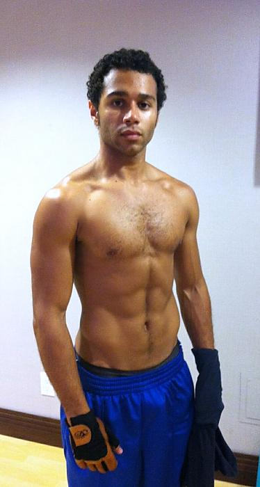 Corbin-Bleu-Shirtless.jpg Corbinbleu