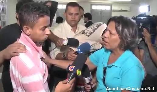 Mujer perdona al asesino de su hijo