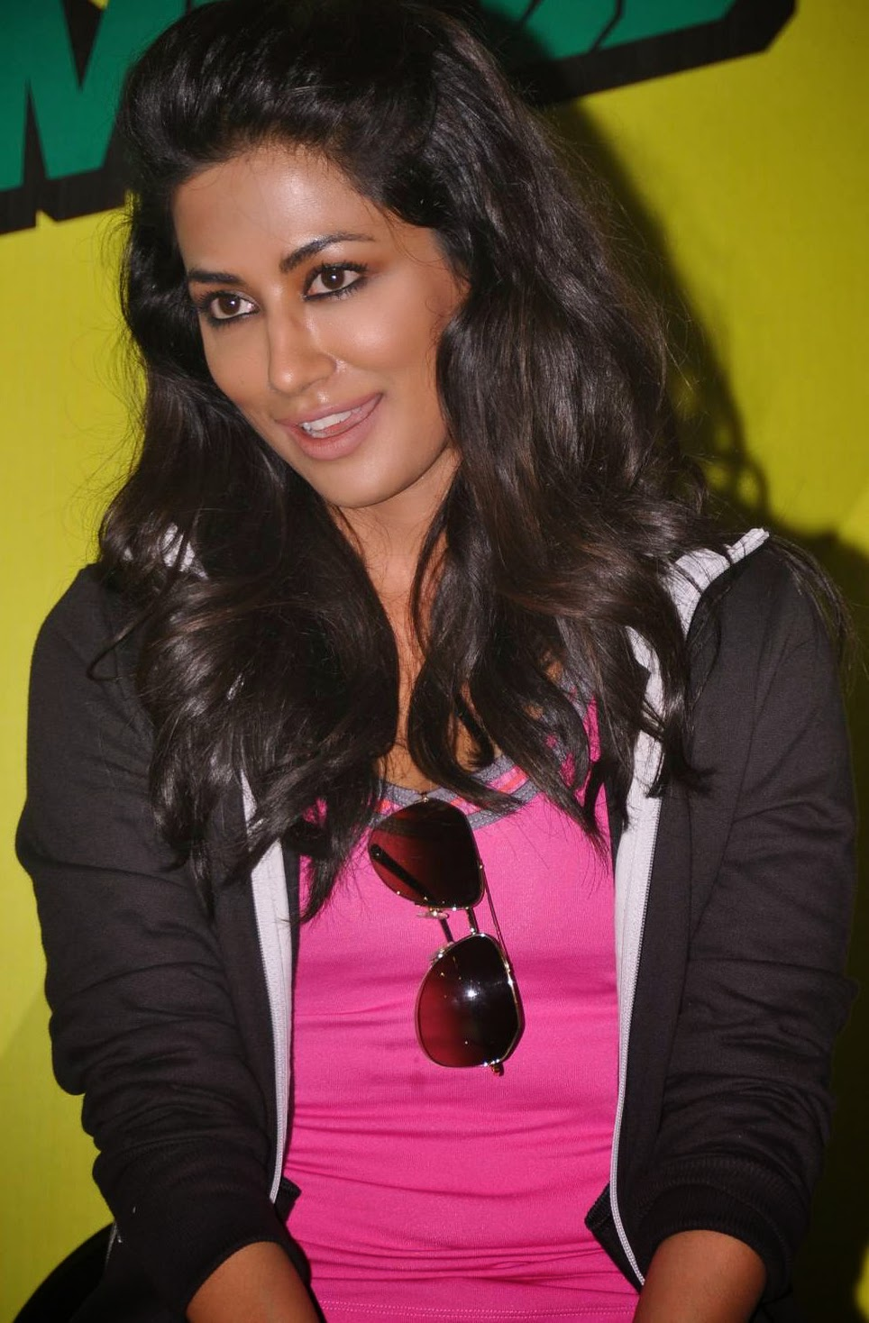 whcb: chitrangada singh hot wallpapers pictures
