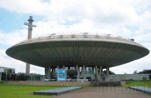 Bangunan Menyerupai Ufo Di Belanda