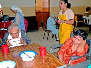 Noticias de sullana quincenario el tall n promueven for Asilos para ancianos