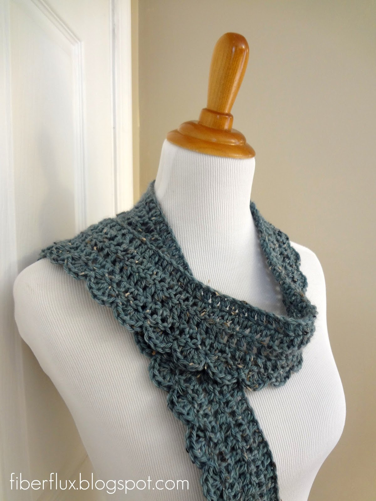 Crochet Scarf Patterns Worsted Weight : Fiber Flux: Free Crochet Pattern...Ocean Air Scarf