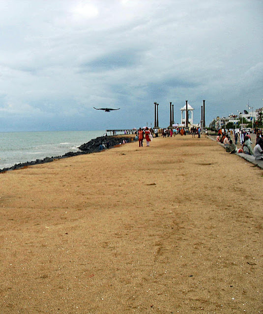 beach road puducherry