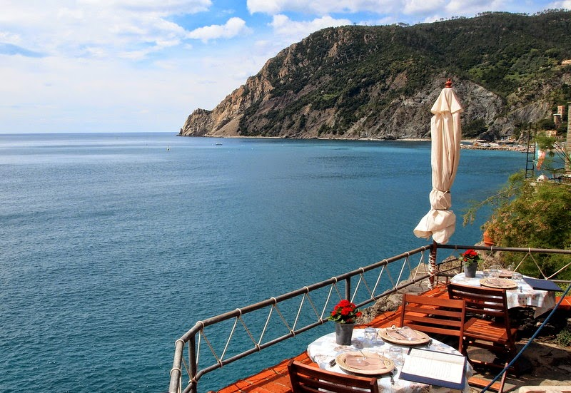A perfect view for lunch or dinner - Monterosso al Mare