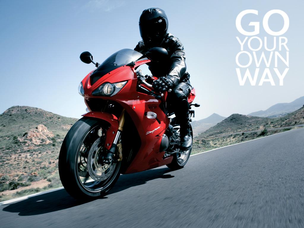 http://2.bp.blogspot.com/-AUhsmIoHWCk/TXZbBg9PugI/AAAAAAAAJ30/ERNnmPnM2b4/s1600/Triumph_Daytona_675_bike_wallpaper.jpg