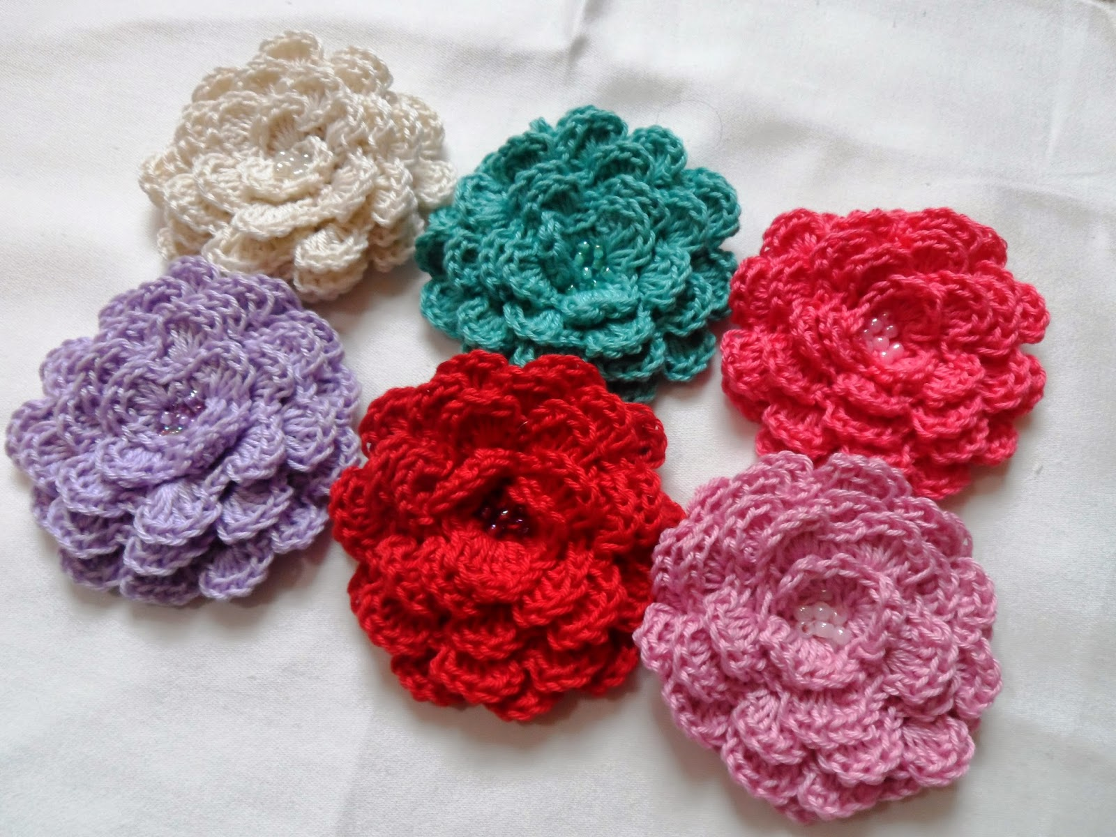 Crochet Patterns For Mother s Day : Farmhouse Traditions: Mothers Day crochet flowers