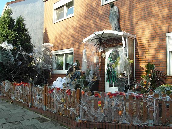 schmuckburg halloween biwyfi braun. Black Bedroom Furniture Sets. Home Design Ideas