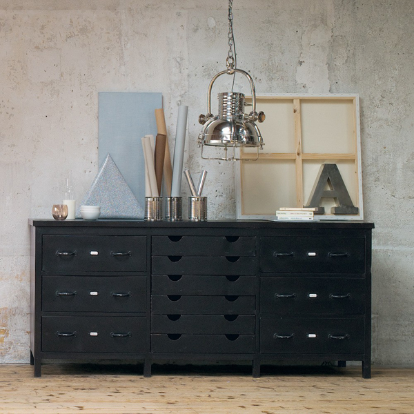 industrial mood. Black Bedroom Furniture Sets. Home Design Ideas