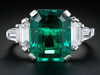 Emerald green engagement rings possess a long historical past