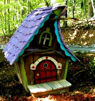 The flying tortoise gorgeous tiny whimsical houses for Whimsical playhouses