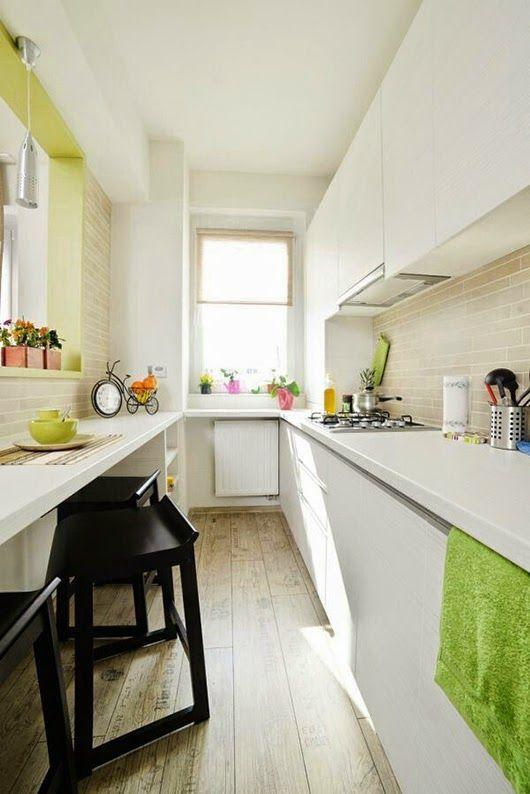 Hogar diez c mo decorar cocinas alargadas for Cocinas angostas