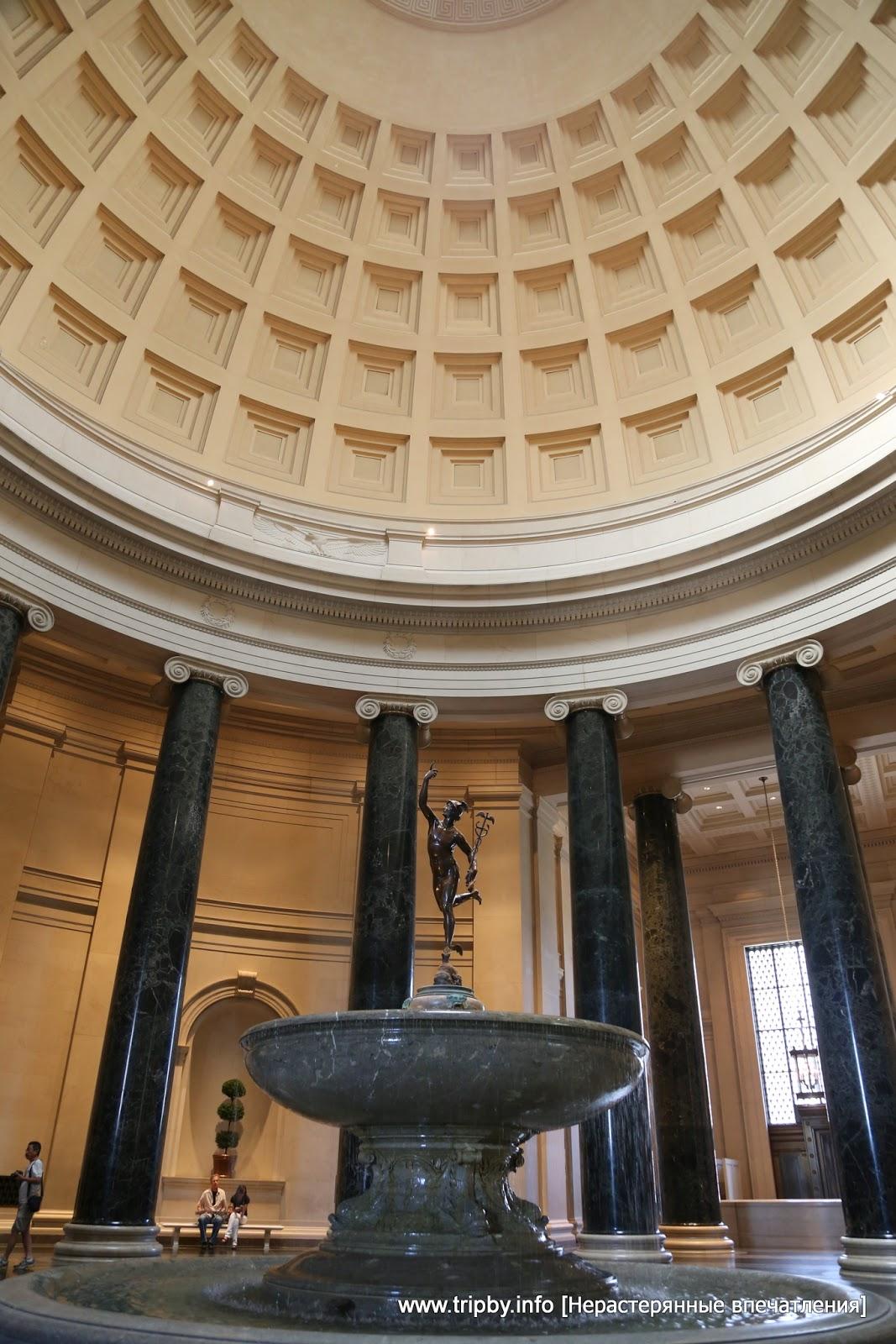 Центральный холл западного здания Национальной галереи искусства. NGA / by TripBY