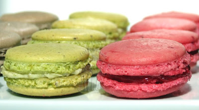 Macarons Pistazie und Himbeer
