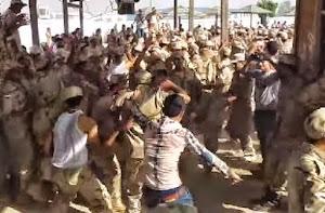 فضيحة رقص وافراح بلدي داخل اسوار مركز تدريب الجيش مجندين وعساكر السيسي يرقصون