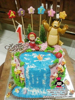 Kue Tart Masha and The Bear Daerah Surabaya - Sidoarjo