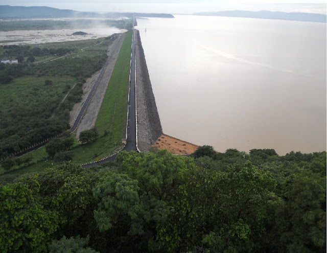 WORLD's LONGEST RIVER DAM