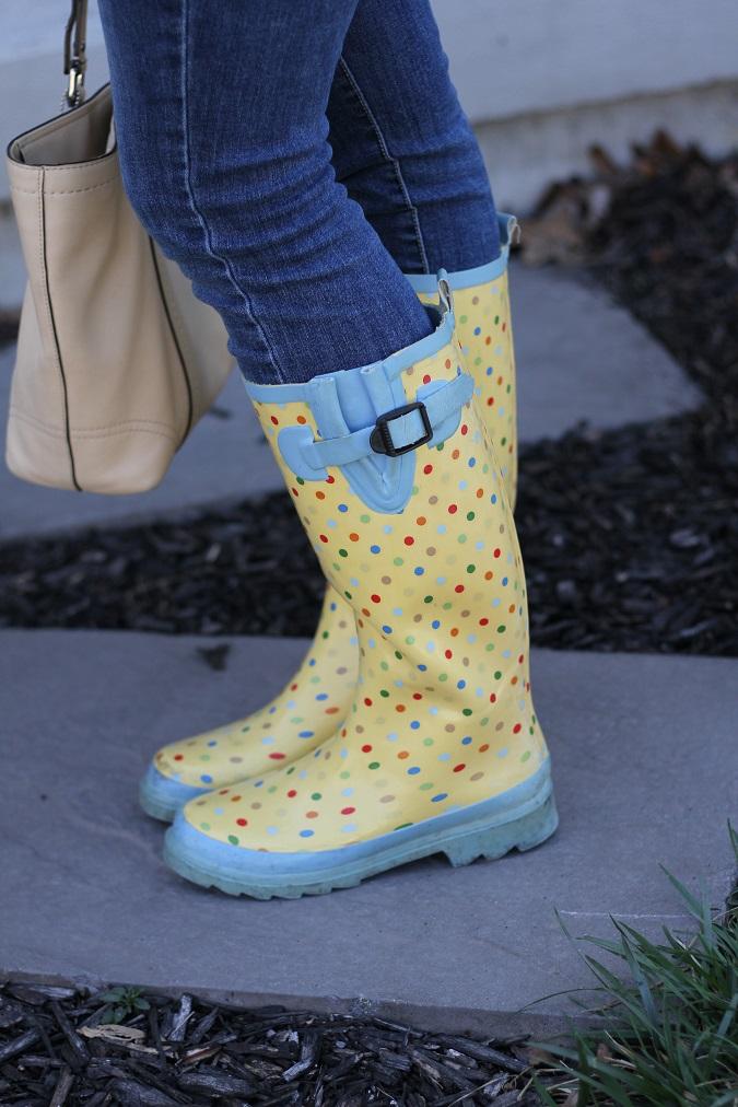 Boden, Gap, Gold, Ray Ban, Coach, Stella Dot, Helen Ficalora, CWonder, Michael Kors, Banana Republic, LosPhoto, Simply Lulu Style, rainy day, rain boots,