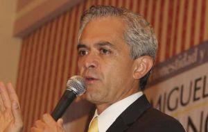 Miguel Ángel Mancera presenta su equipo de campaña. Foto Cuato Oscuro.