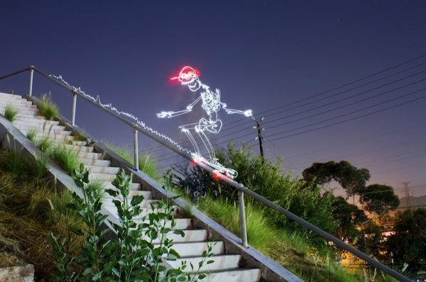 Graffiti de Luz (light graffiti) Desenhos com rastros de luz - Esporte Skate