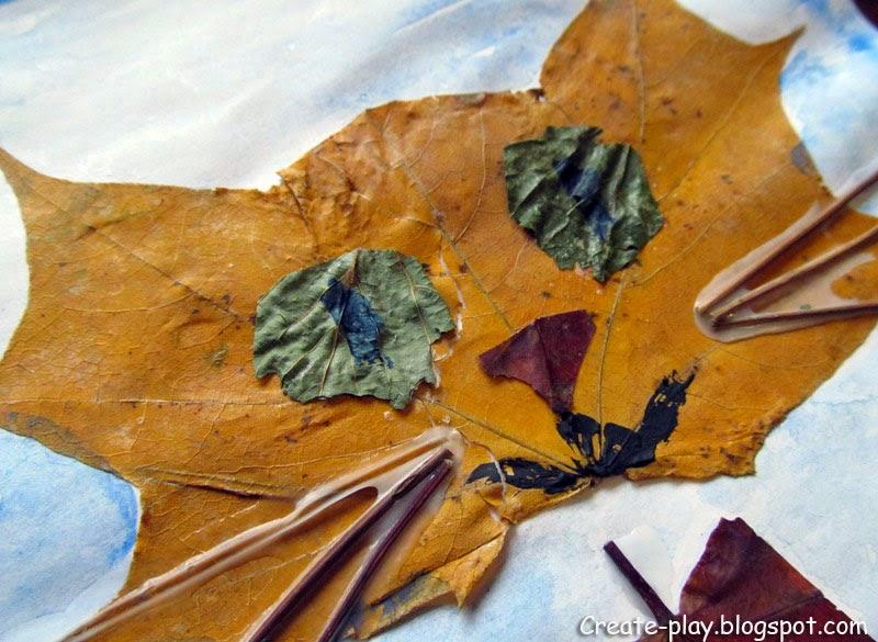 осенняя книга из листьев