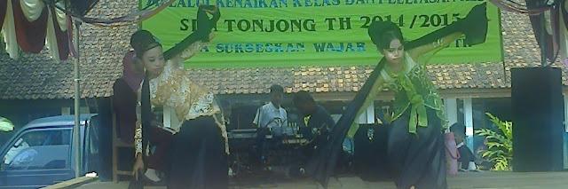 tari jaipong oleh siswa SDN Tonjong Waluran