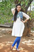 Nikitha Narayan new glam pics-thumbnail-9
