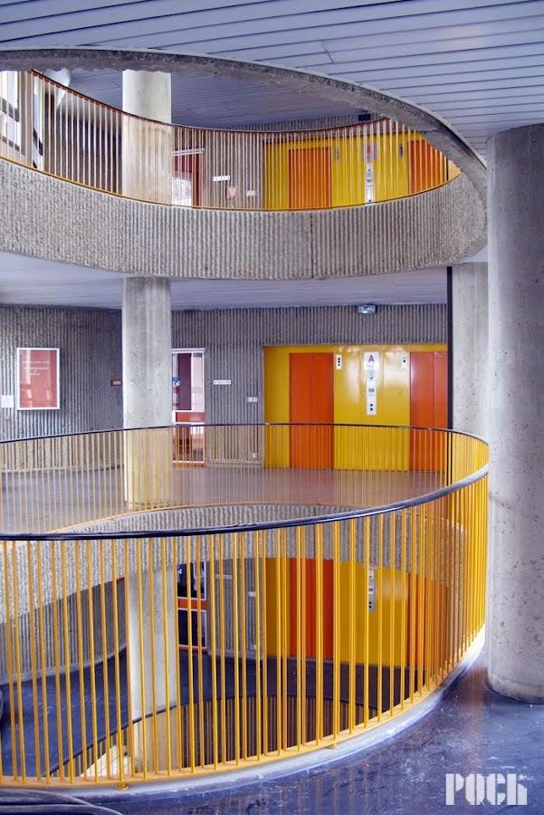 Rennes - Centre des télécommunications, La Mabilais.  Architecte: Louis Arretche  Début des travaux: 1976
