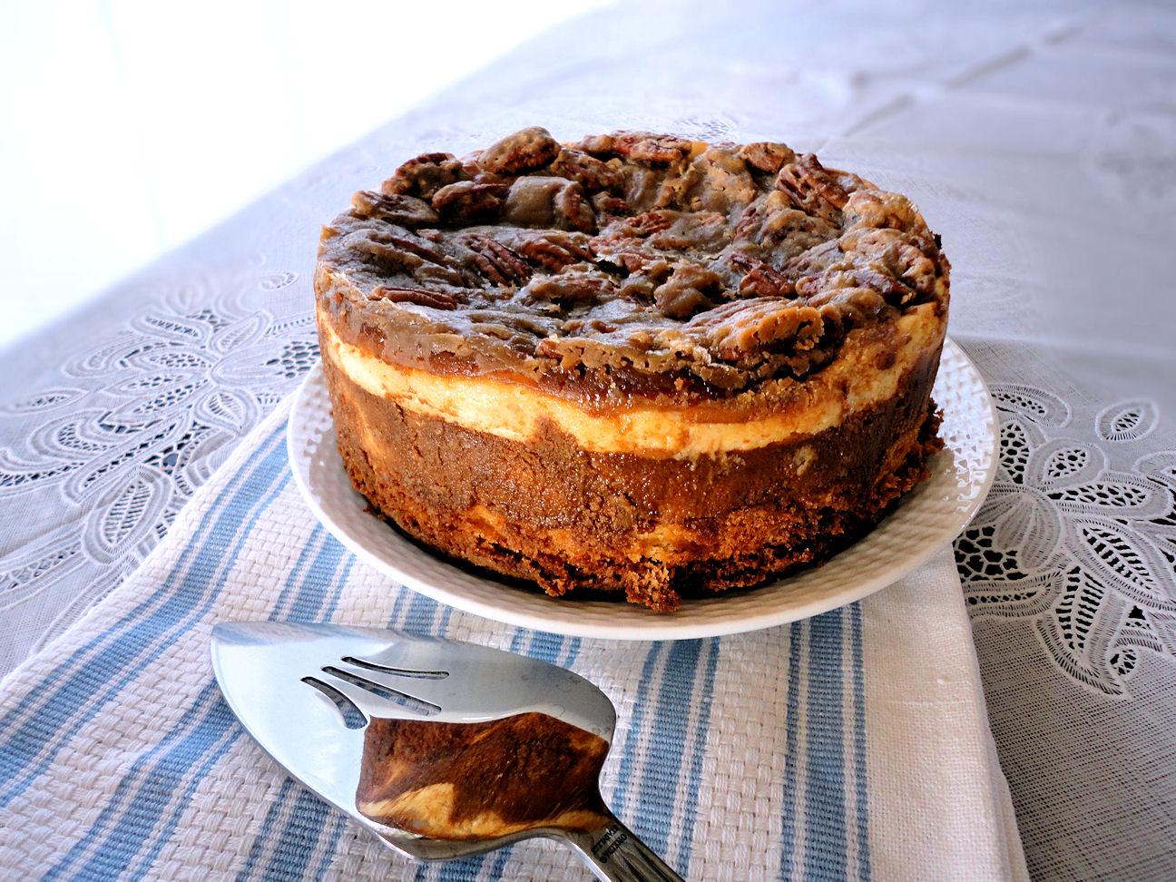 la petite brioche pecan pie cheesecake for mr incredible. Black Bedroom Furniture Sets. Home Design Ideas