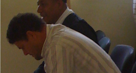 """03:25 AM- 3 Julio, SAMANÁ, RD *-. La jueza de la intrusión de Samaná dictó tres meses de prisión preventiva como medida de coerción en contra del hombre acusada de matar a su """"suegro""""  César Henríquez, de 64 años quien se oponía a la relación sentimental que el homicida mantenía con su hija."""