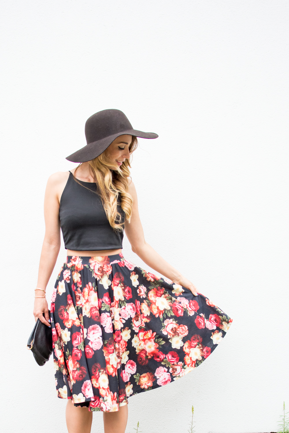 floral midi skirt and black crop top outfit