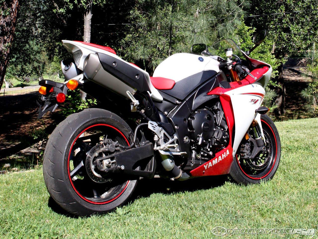 Yamaha R1 2009 Red